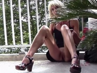 FRENCH WIFE JUSTINE PUBLIC MASTURBATION BALCONY