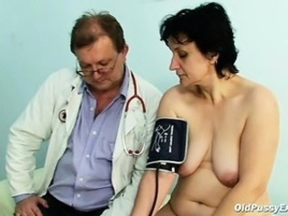Old Miriam doctor gyno speculum pussy checkup in the sky gynochair