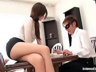 Babe, Office