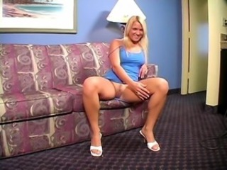 Peaches Veronica soft legs in the sky the sofa JOI