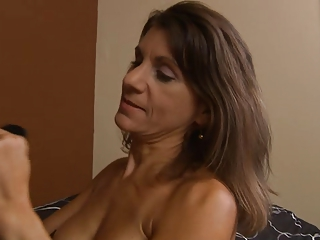 Mature cougar squirts while ass fucked