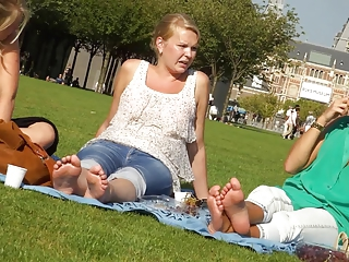 Candid 3 blondes soles increased by feet in amsterdam