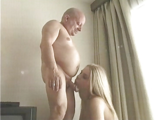 British Horny Bitch fucked at the end of one's tether Midget
