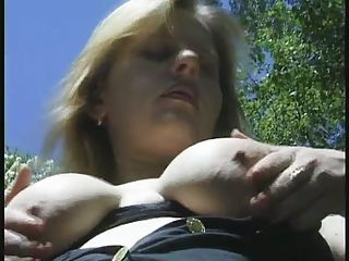 preggo amateur strips outdoor