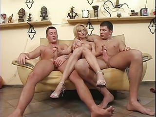 Skinny Elderly Milf Takes Several Youg Cocks !