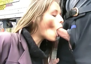 Girl Loves To Suck Cock On Publi...