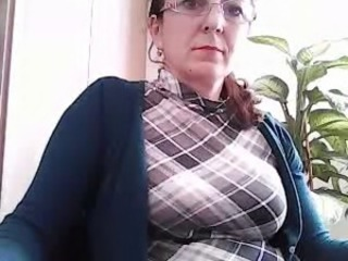 CH horny 48 mom, shows her boobs, for my cum