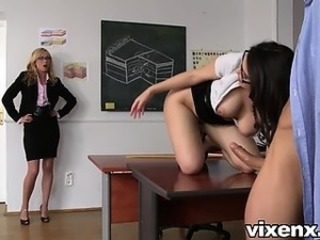 Sexy teachers Lina Napoli and Valentina Nappi suck cock