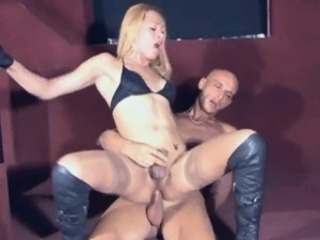 Blonde tranny babe Jenifer getting fucked anally