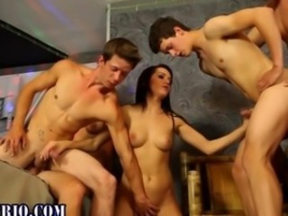 Bi studs fuck bodacious bitches in an orgy