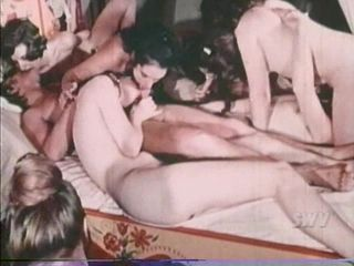 Vintage chicks and guys in hot orgy