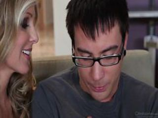Julia Ann - Cougar's Prey 5