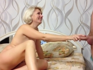 Beauty Russian Amateur Woman Makes Bj coupled with Cum hither Frowardness
