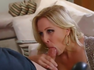 Blonde Mom Julia Drives Some chap Mad surrounding rub-down the Terrific go for