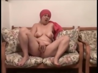 Amateur Arab Chubby Homemade Masturbating   Wife