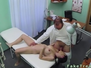 Amateur fucks her doctor in his office with ease