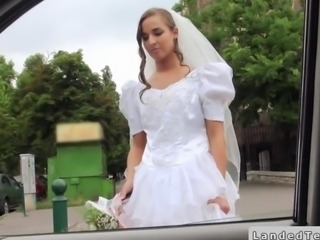 Rejected bride fucks thither a strangers car