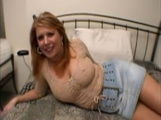 This hot grown-up mom does it all: anal, deepthroat, gagging. In addition known as
