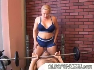 Big Tits Chubby Mature Mom Sport