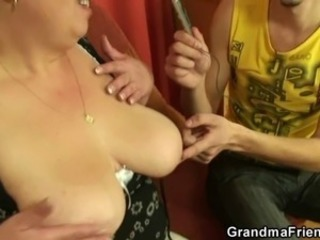 Plumper takes two cocks at once POV