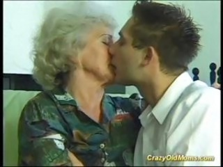Cray old mom gets fucked hard