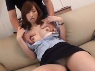 Kaori Nishio Lets the wretch Eat And Finger-Fuck Her snatch