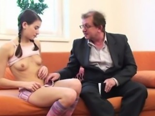 Sexually excited older teacher is seducing babe\'s beaver