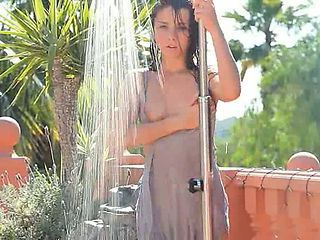 Darkhair Have Sexy Outdoor Shower