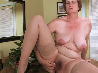 Chubby Mature Mom Pussy  Stockings