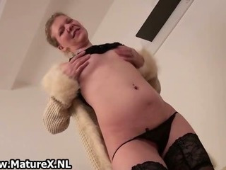 Horny European Mature Woman Is Stripping