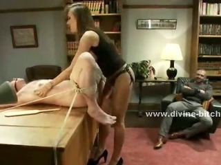 Gorgeous Woman Stumps On A Submissive Ma...