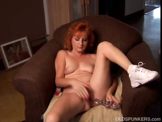 Adult Amateur Redhead Squirts
