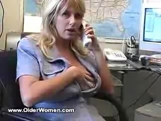 Fine mom whit huge boobs!