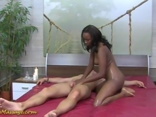 chocolade slippery nuru massage sex