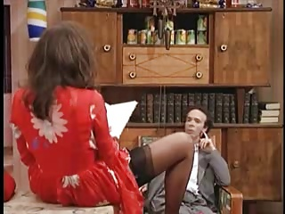 Nicoletta Braschi - under red skirt