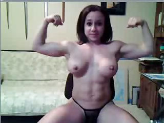 take charge body builder rubs her pussy on webcam