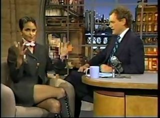 Halle Berry& 039;s Super Crossed legs