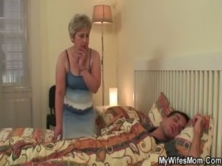 Wife finds her mom and boyfriend free