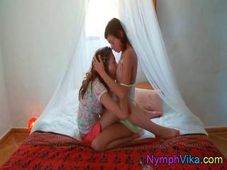 Vika and Natasha lick twats in 69 position Sex Tubes