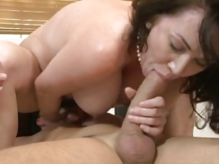 tits & bush hot brunette mom