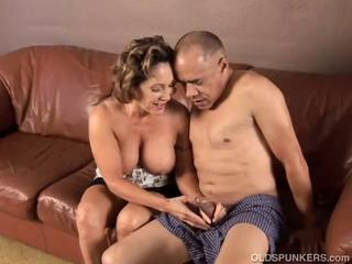 Gorgeous granny loves to fuck plus eat cum Sex Tubes