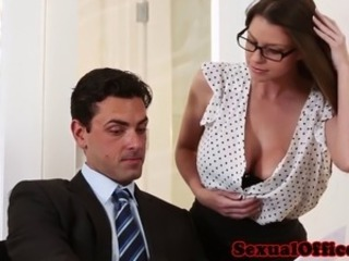 Domineer office looker seducing the brush boss