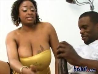 Ebony Carmen likes to please with her huge tits