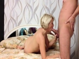 Sugar mature wife fucks and sucks