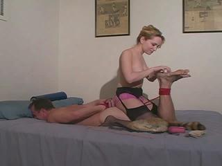 Femdom Wide Whipping