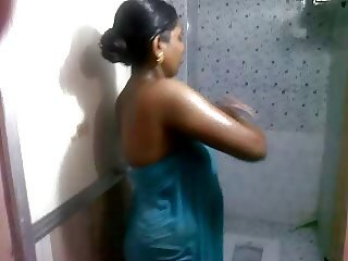my preggy wife bathing