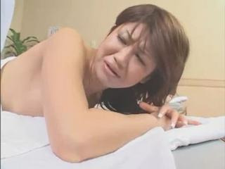 "Invisible Man Gropes Lady During Sexy Massage"" class=""th-mov"