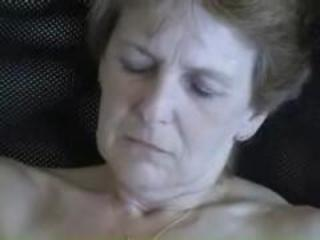 "Old Amateur Mature Granny Wife Masturbating Shaved Wet Pussy"" class=""th-mov"