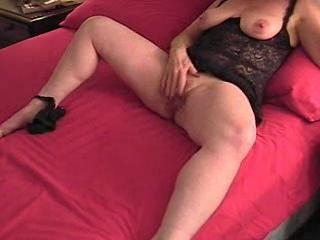 Amateur Chubby Clit Homemade Masturbating Mature  Wife