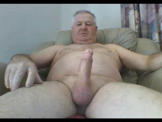 "Mature Aussie Jerks and Cums"" class=""th-mov"